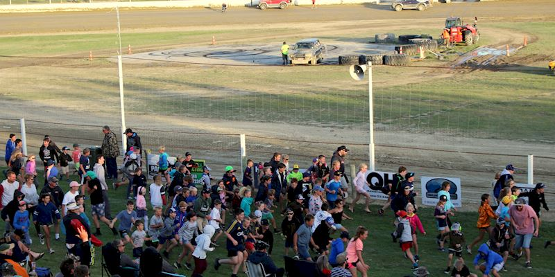 Central Motor Speedway, Cromwell - The Fastest Family Show